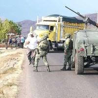Emboscan a elementos del Ejército en Michoacán; hay dos muertos y un herido