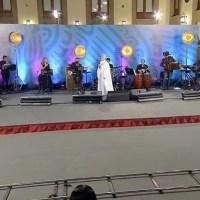 Con concierto en vivo, AMLO dedica la mañanera a las madres de México