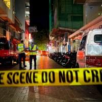 Hombre atropella a su propia madre afuera de restaurante en Texas