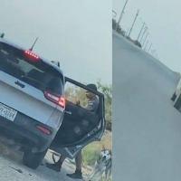 Arrestan a un hombre por abandonar a su perro en la carretera de Texas