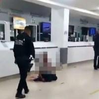 Por rompimiento amoroso, hombre se corta el cuello en terminal de Mexicali (IMÁGENES FUERTES)