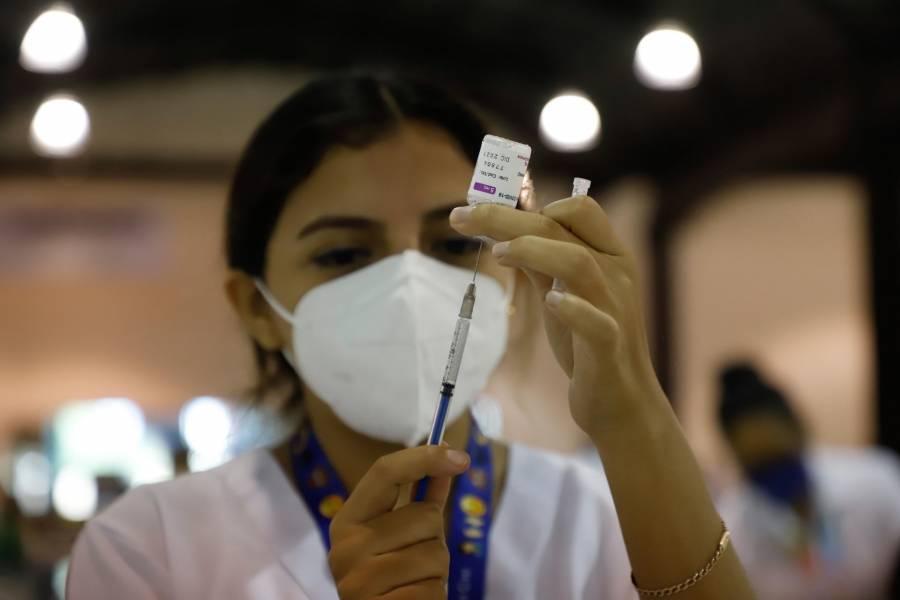 A través de amparos, logran vacunación de 50 menores en la CDMX