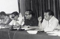 Pada Kamis, 3 Agustus 1972, di Departemen Penerangan, diadakan konferensi pers mengenai ejaan yang diperbarui yang dipimpin Menteri Pendidikan dan Kebudayaan Mashuri. Menteri Mashuri sedang memberikan penjelasan mengenai ejaan baru.