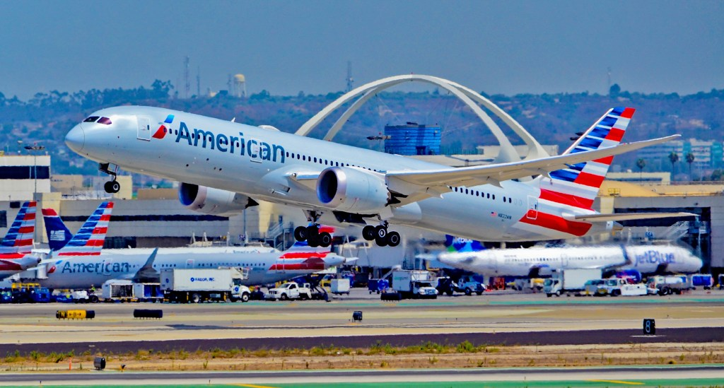 American Airlines has ordered a total of 22 Boeing 787-9 Dreamliners. Photo Credit: Tomás Del Coro via Flickr