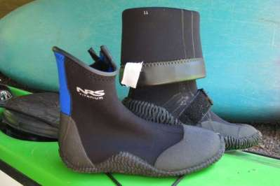 the best shoes for kayaking