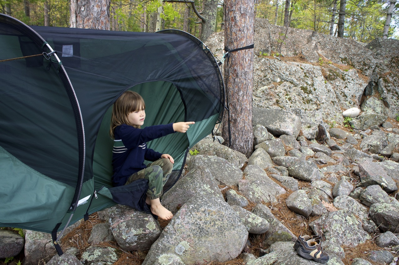kid sitting in a camping hammock the blue ridge     lawson hammock u0027s blue ridge creek camping hammock review      rh   paddlinglight