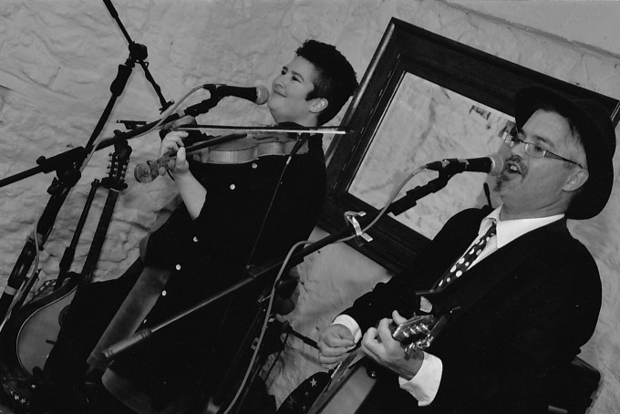 Re-Jig Duo playing upbeat Irish, Celtic and American Folk Music