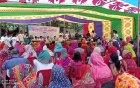 মোহনপুরে অর্ধশতাধিক গ্রামের মানুষ পেলেন স্বপ্নফেরির উপহার