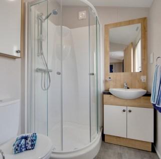 Pinehurst Lodge Shower