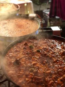 Paella Meeresfrüchte kochen
