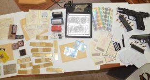 Castel Volturno – Realizzava documenti falsi e banconote contraffatte, arrestata guardia giurata