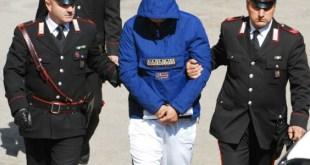 Casal di Principe –  Nasconde armi e droga, arrestato 40enne