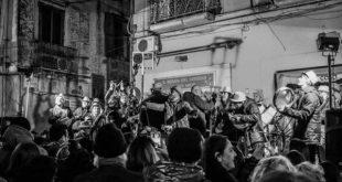 SESSA AURUNCA – BUCO BUCO E RIVOLUZIONE, PUBBLICATO IL NOTO CANTO SU TUTTE LE PIATTAFORME ONLINE