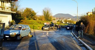 Caiazzo – Strada come pista di ghiaccio, scontro fra veicoli. Traffico paralizzato per l'incapacità a prevenire