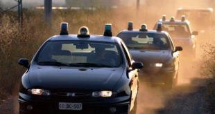 LETINO – Notte amara per i ladri. Prima picchiati dai proprietari poi inseguiti dai carabinieri. Tre ladri in fuga a piedi nei boschi