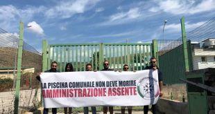 VITULAZIO – Piscina comunale chiusa, la protesta di CasaPound
