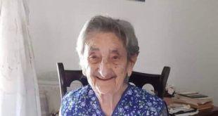 Sessa Aurunca – Il quartiere Borgo Nuovo in festa per i cento anni di nonna Francesca