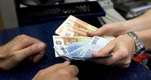 CASAL DI PRINCIPE – Tenta di estrocere denaro al cugino minacciandolo di morte: 38enne agli arresti domiciliari