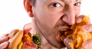 ALLARME SALUTE – Uno studio avverte: pasti pronti danneggiano il nostro cervello. Aumento del rischio di Alzheimer da cibi fast food