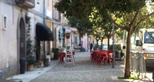GALLUCCIO – Tentano di svaligiare una gioielleria, messi in fuga dalla proprietaria