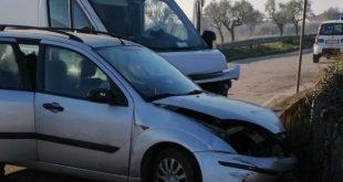 Piedimonte Matese – Auto contro furgone all'incrocio, 50enne in ospedale
