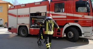 Sessa Aurunca – cede la recinzione dello stadio Cappuccini, bloccato il centro della città