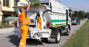 MARZANO APPIO – Operatori ecologici chiedono assunzione a tempo pieno
