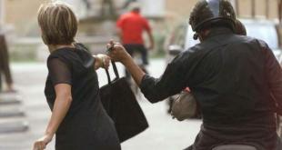Napoli / Isernia – Rapina una donna in pieno centro, la vittima lo fa arrestare