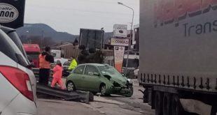 Caianello – Scontro sulla provinciale, traffico impazzito