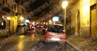SPARANISE – Rissa nel Corso, immigrati si affrontano con coltelli e spranghe (il video)
