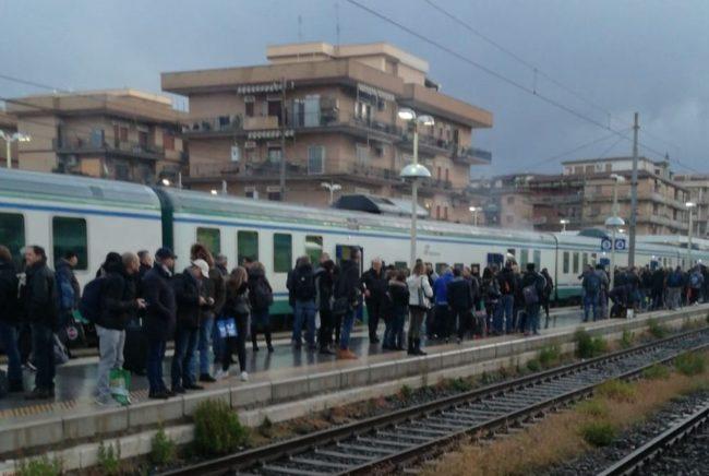 Caserta / Cassino – Treno carico di pendolari prende fuoco a Ciampino - Paesenews