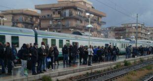 Caserta / Cassino – Treno carico di pendolari prende fuoco a Ciampino