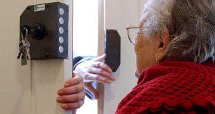 Aversa – Finto operatore Enel tenta di sedurre un'anziana per entrare in casa: il marito si altera e scoppia la lite