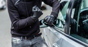 Sessa Aurunca – Vandali e truffatori in azione, auto rigate e carte di credito violate. Cittadini alle istituzioni: vogliamo sicurezza