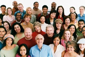 Persone società multietnica
