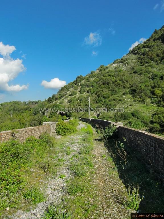 Ferrovia abbandonata a San Severino di Centola  Luoghi