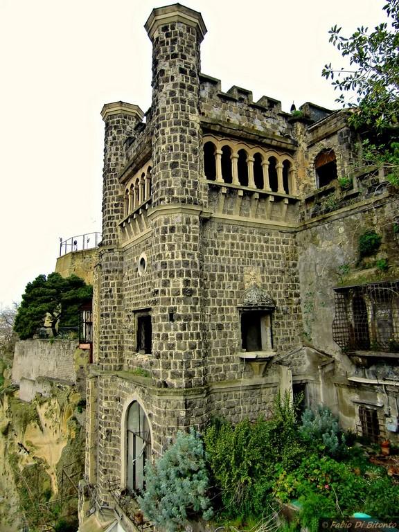 Villa Ebe  Allombra dellutopista Lamont Young  Luoghi Fantasma
