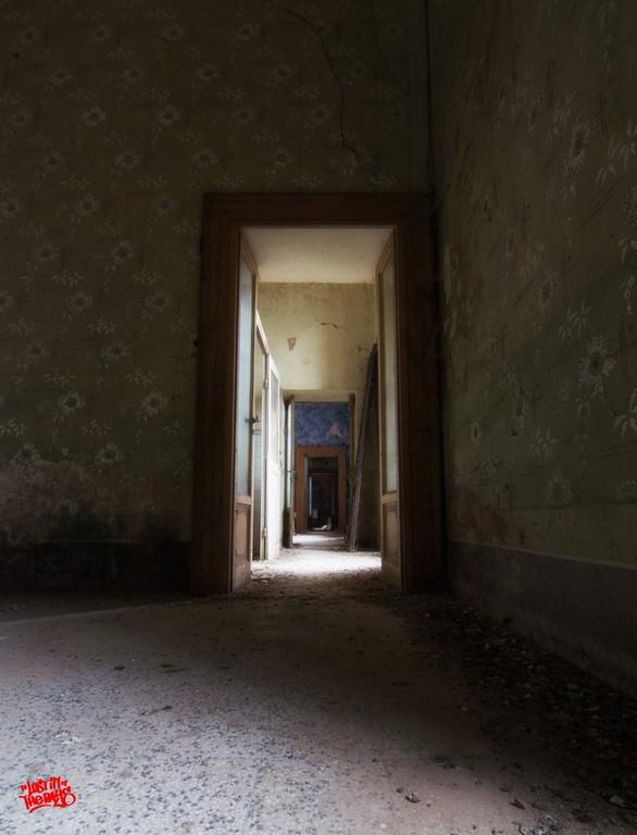 Villa L  La guardia delle mille statue  Luoghi Fantasma