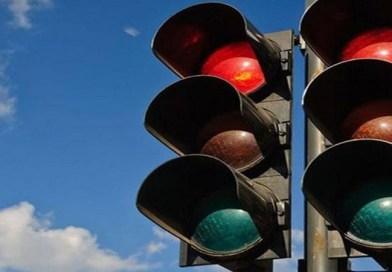 Τοποθετούνται φώτα τροχαίας στην Αχέπανς (δρόμος Νοσοκομείου)