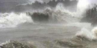 ओडिशा में बढ़ रहा है फानी तूफान का खतरा, रेलवे ने भी रद की 81 ट्रेन