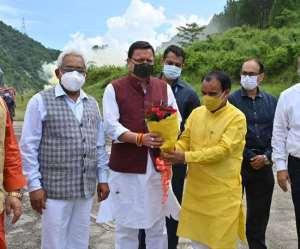 CM reached Srinagar Garhwal: