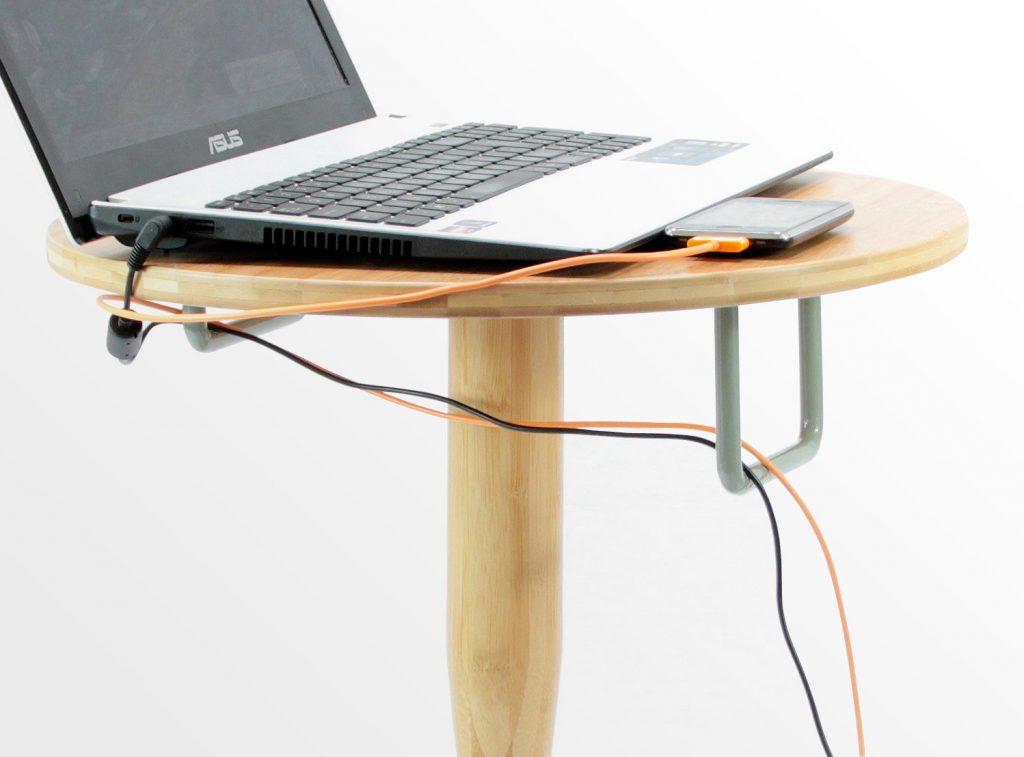 「變形床邊桌」讓你安全入眠 一拆開就變「球棒+盾牌」抗壞人 - PageCup