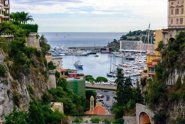 Crédit Du Nord et Société Marseillaise de Crédit Fusionnent à Monaco Pour Devenir Société de Banque Monaco