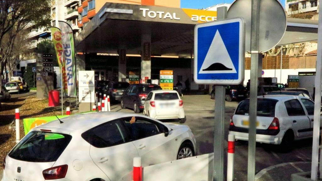 Pas de Risque de Pénurie de Carburants Dans Les Alpes-Maritimes
