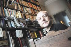 Lorenzano em sua residência. Foto: Rafael Yohai