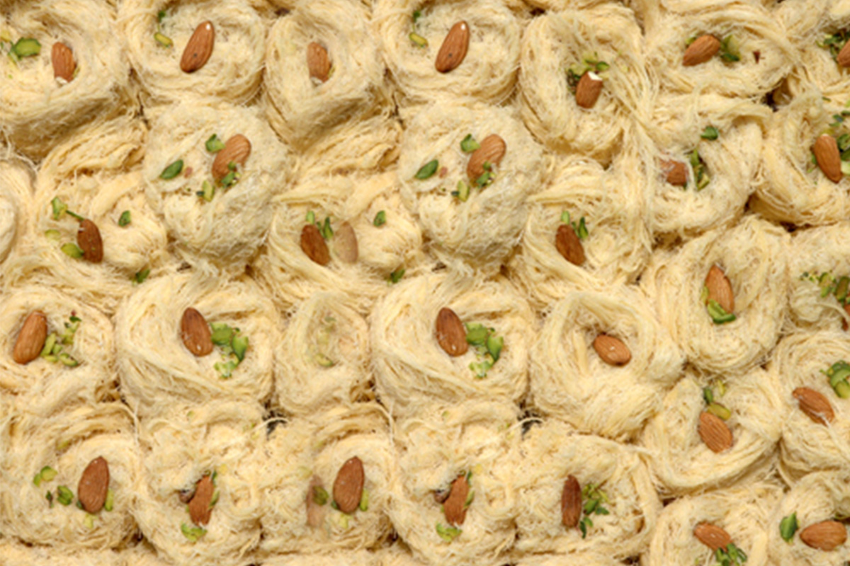 Patisa Lachadar Pahalwans Sweets