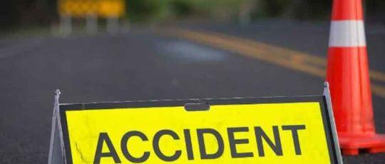 हाईस र मोटरसाईकल दुर्घटनाबाट २ जनाको मृत्यु, २ जना घाईते