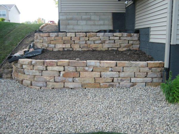 kettle river natural stone wall