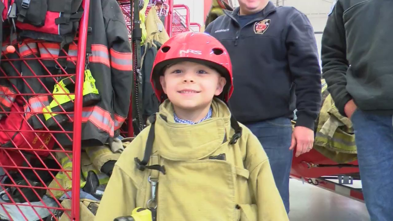 Firefighters_Surprise_Birthday_Boy_0_20180320031753