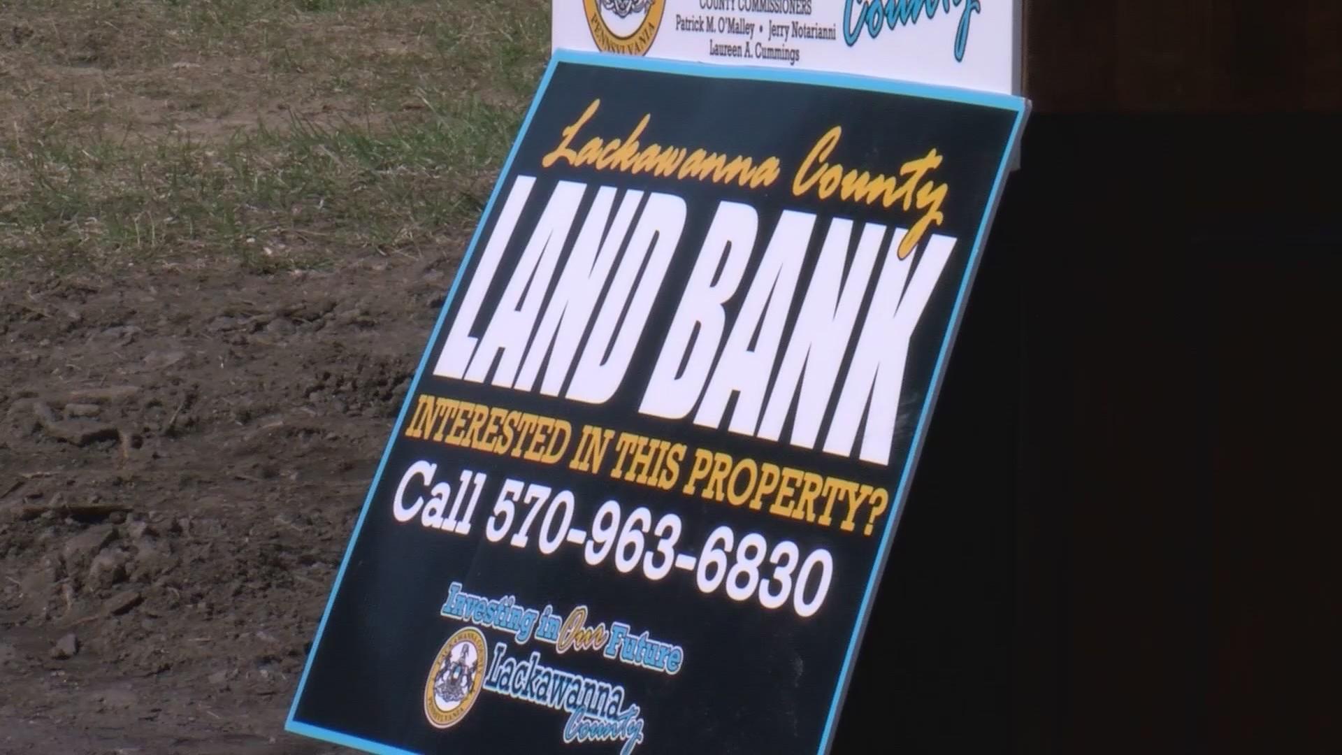 Lackawanna_County_Land_Bank_celebrating__0_20190328212837